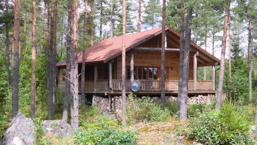 Blockhaus Dachsbau – Traumlage am See in Schweden