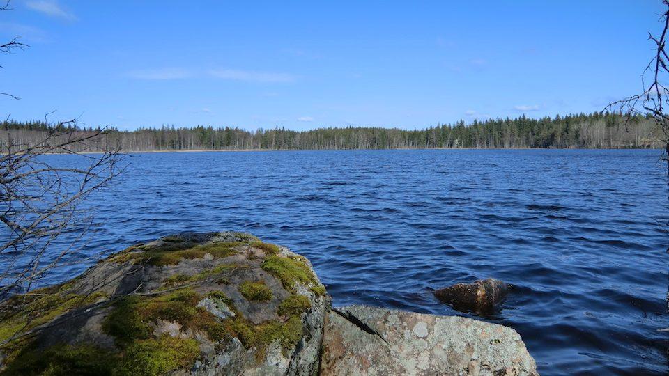 Der See, nur 400 m vom Haus