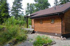Timmerhaus nur 100 m vom See Kiasjön