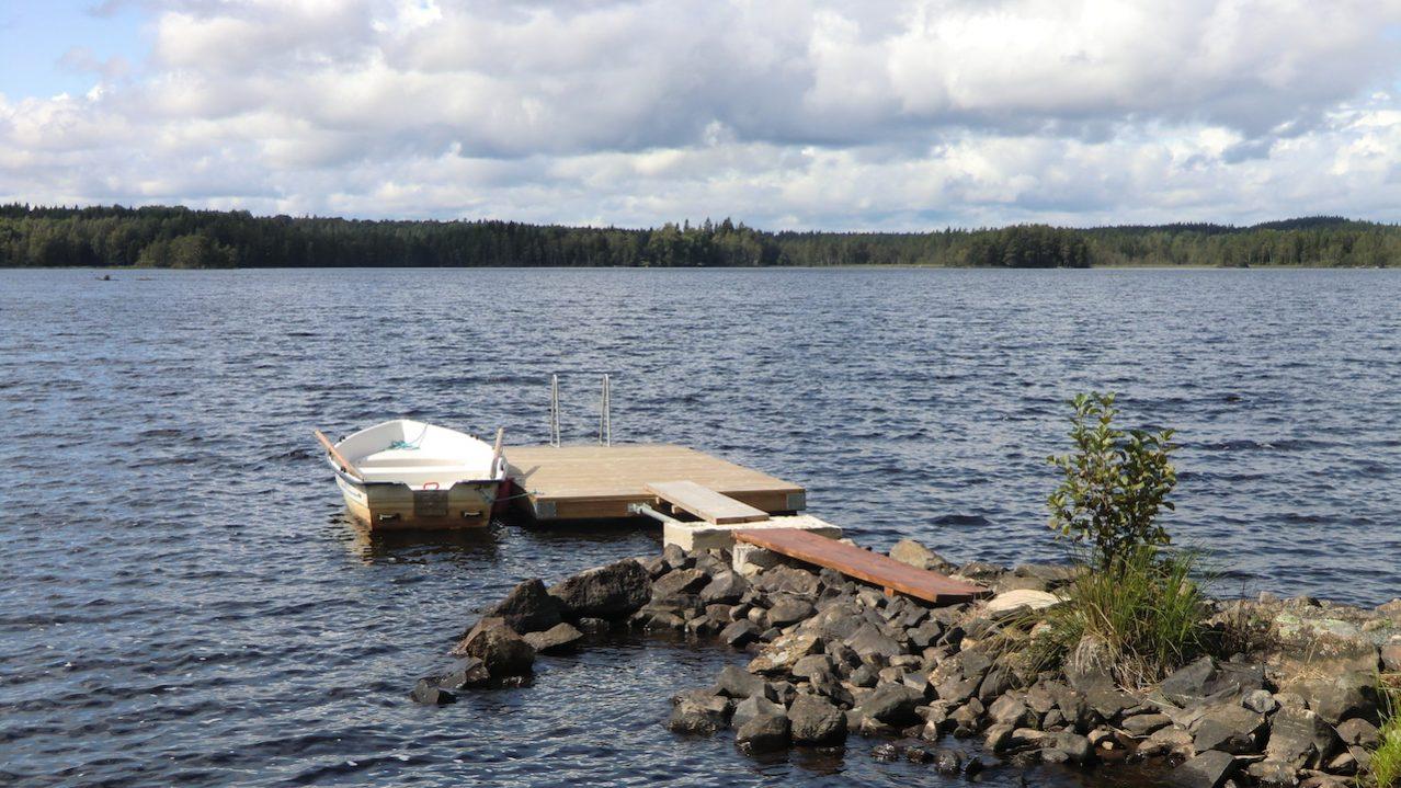 Hauseigener Bade- und Bootssteg