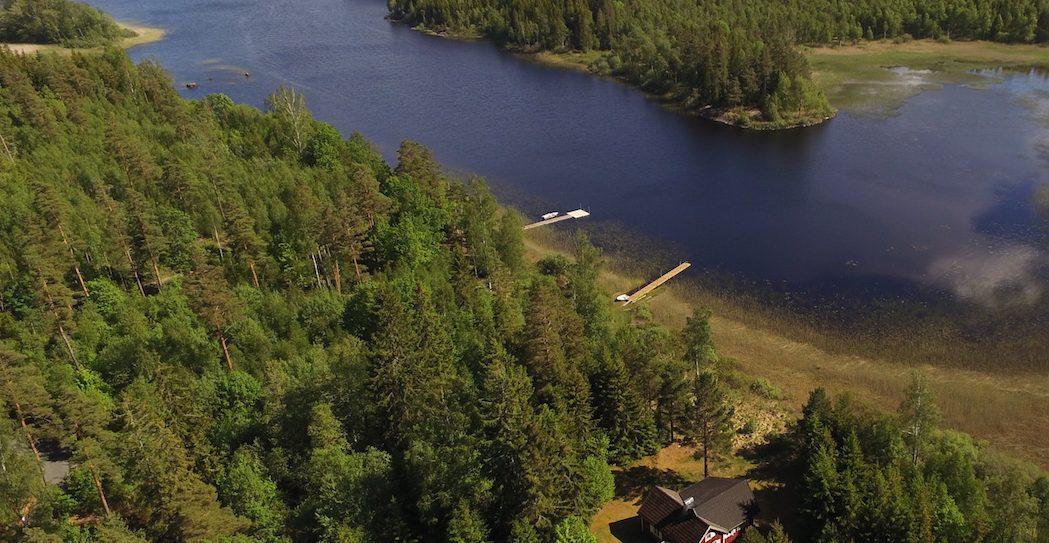 Haus Nilsson am hinteren Ausläufer des Sees Kiasjö