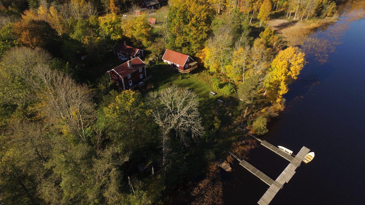 Die drei Ferienhäuser mit Steganlage am See Kiasjö