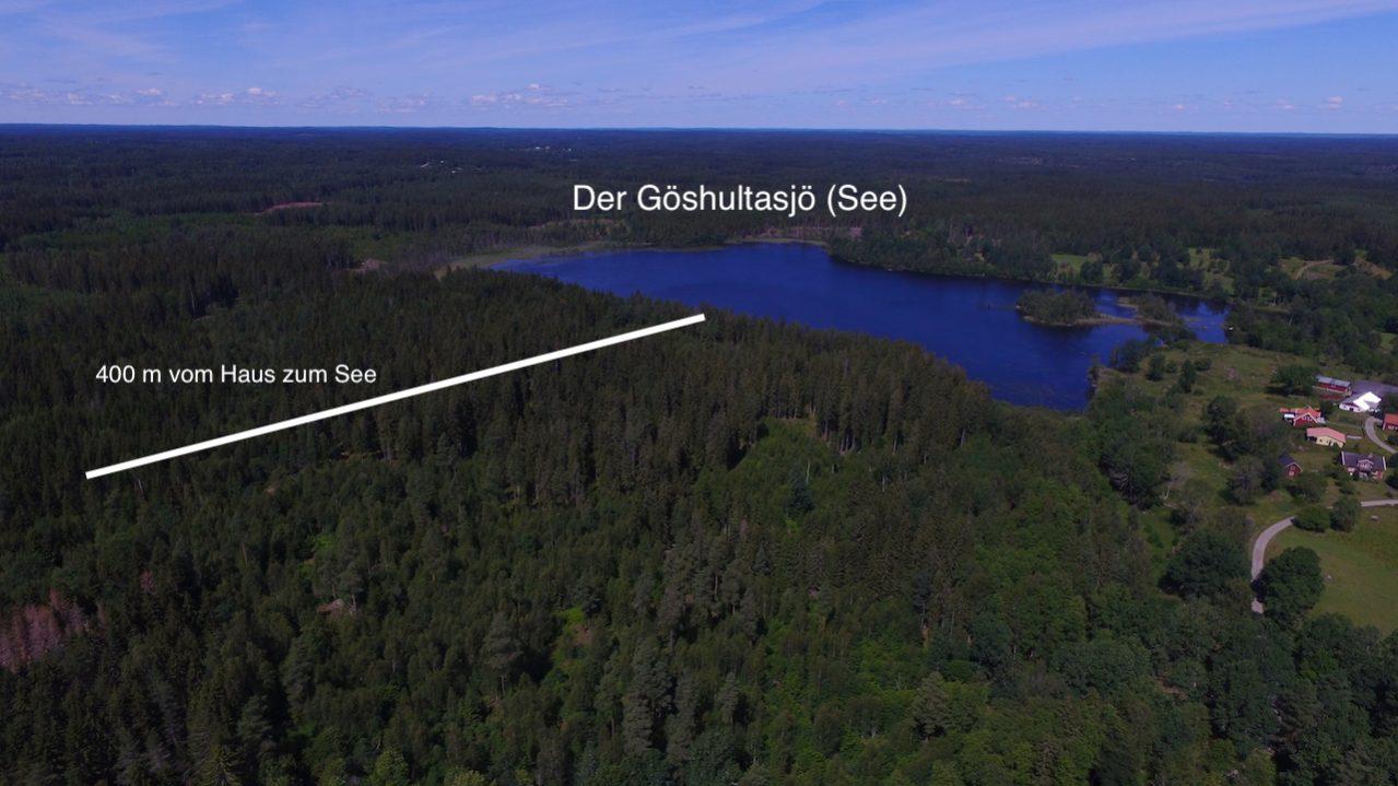 Zum See ist es nur ein kleiner Spaziergang durch den Wald
