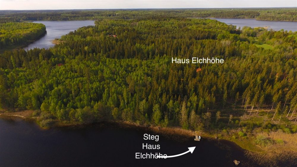 Die Halbinsel Kianäs mit dem Haus Elchhöhe und dem hauseigenem Steg