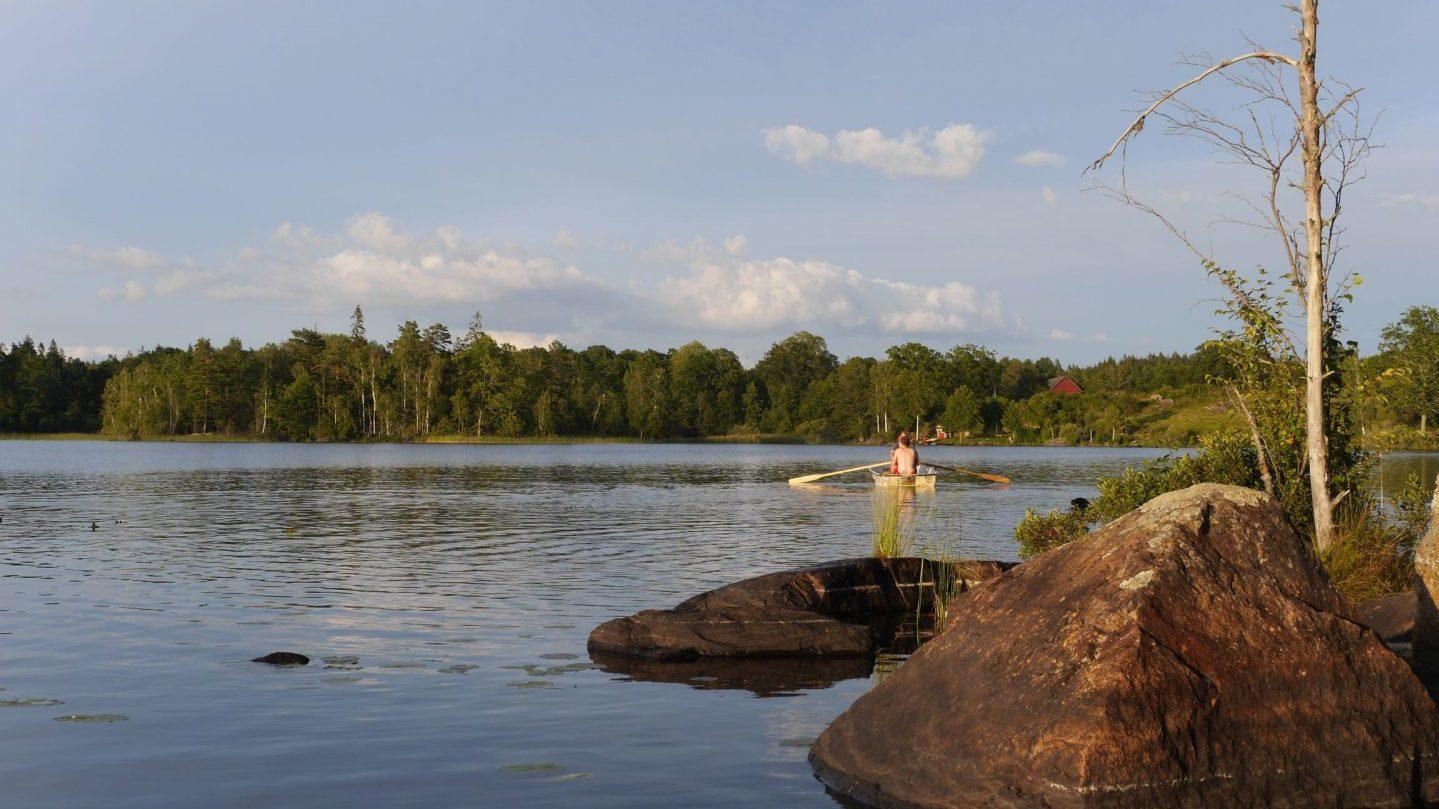 ....hier kann man baden und angeln und Boot fahren