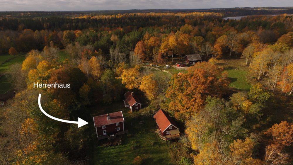 Herrenhaus mit den beiden Nachbarhäusern Museumshaus und Haus Seeblick
