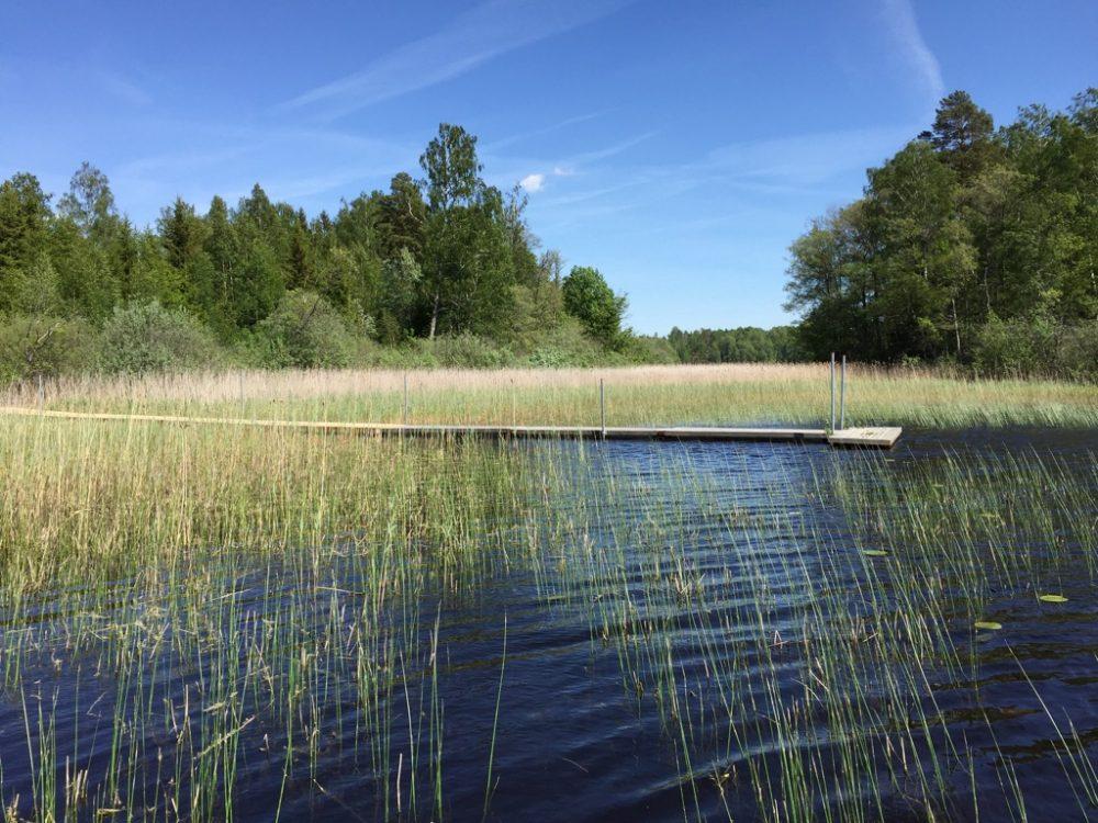 30 m langer hauseigener Steg zum baden und Boot fahren