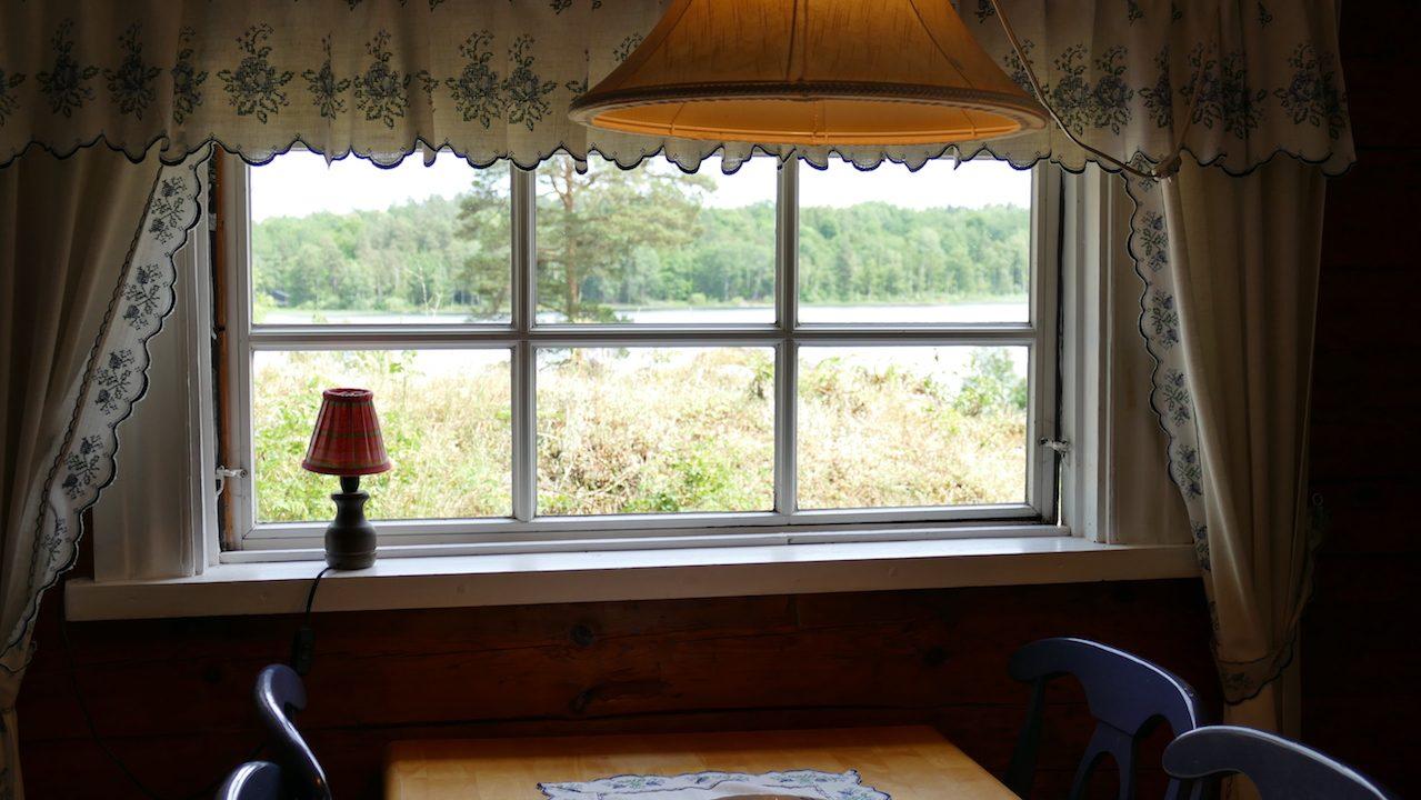 Blick auf den See Kiasjön von der Küche/Esstisch