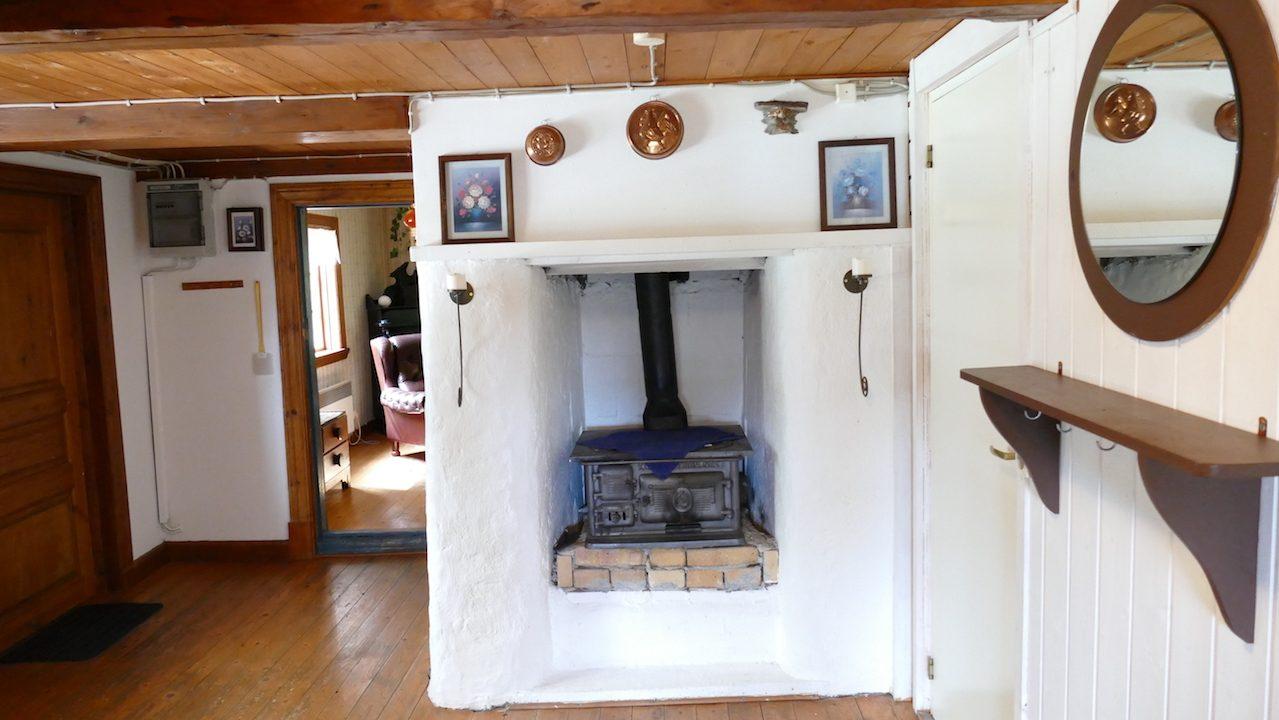Kleiner Holzherd in der Diele im Erdgeschoss