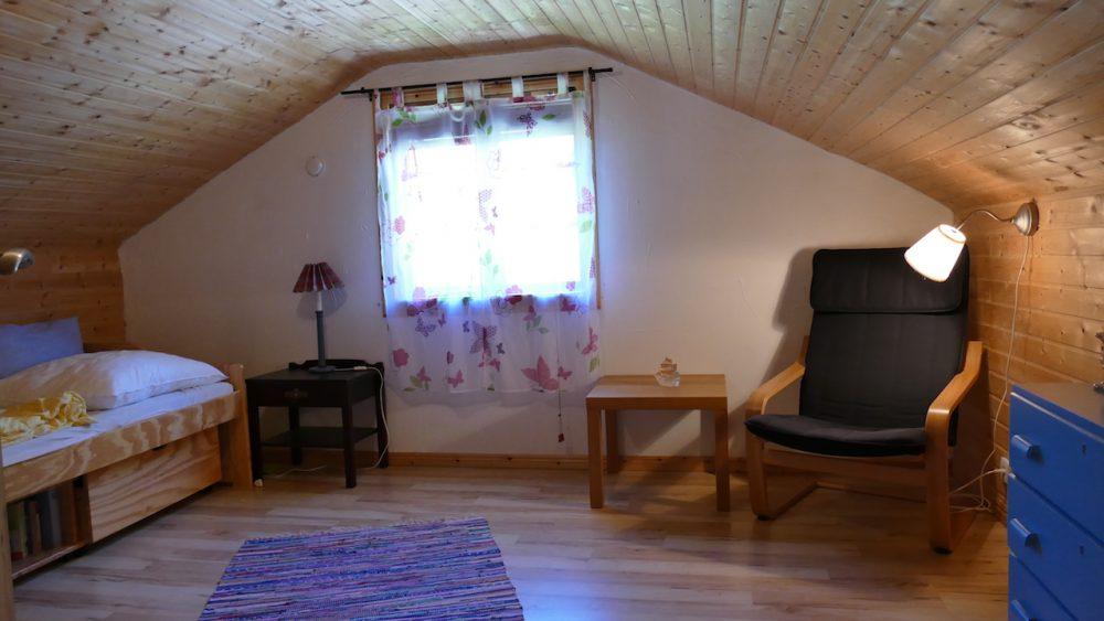 Gemütliches Obergeschoss-Zimmer mit Schlafcouch