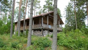 blockhaus schweden am see - Haus Dachsbau im Wald in Schweden