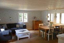 Wohnzimmer im Haus Nilsson mit Seeblick